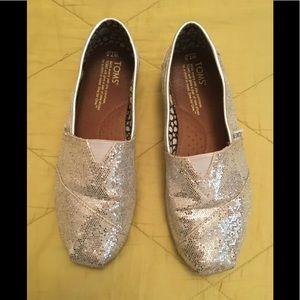 Toms Silver Sparkle flats, shoes - 7.5W 7W